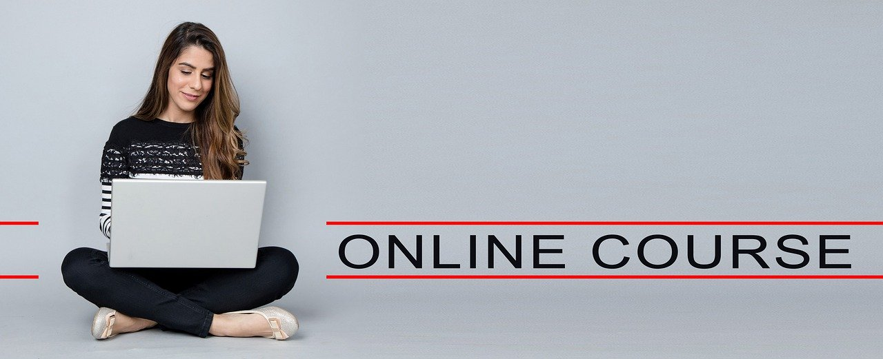 lady taking online course